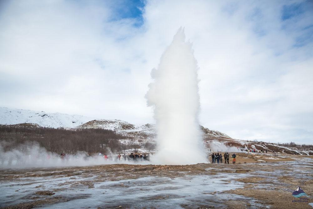 Stokkur-Geysir-Golden-Circle-Iceland-4