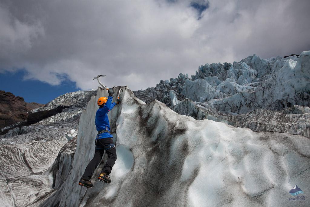 Ice-Climbing-Glacier-Skaftafell-Vatnajokull-Iceland