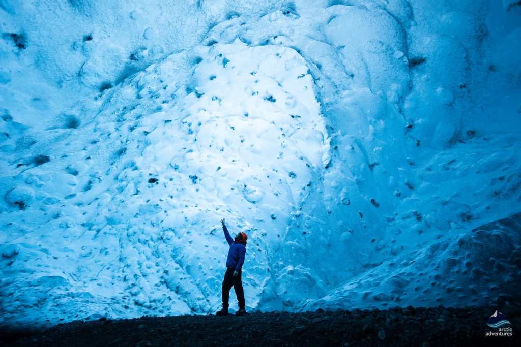 Glacier-ice-crystal-cave-tour-Iceland