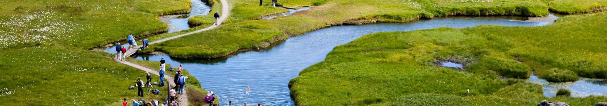 Landmannalaugar-bathing-hotspring-Iceland1