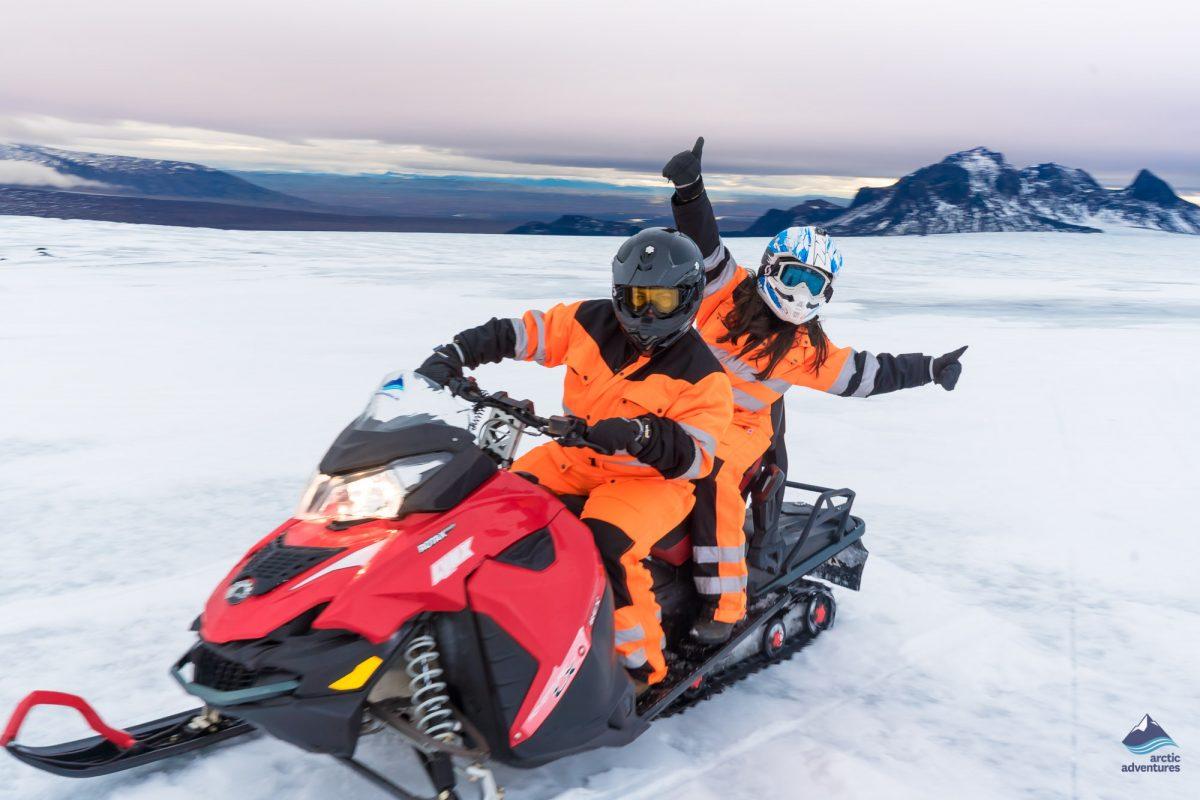 glacier-snowmobiling-tour-Iceland
