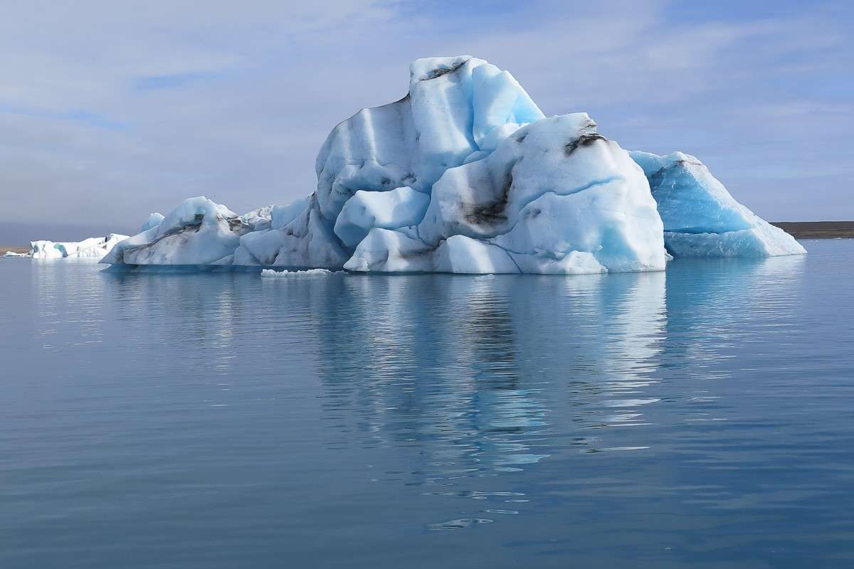 Ice berg in Jokulsarlon Iceland