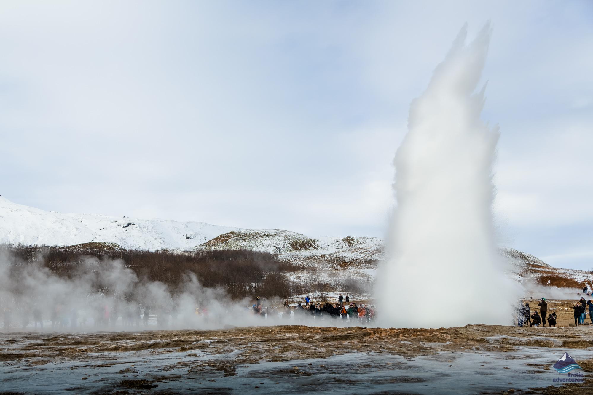 Stokkur-Geysir-Golden-Circle-Iceland